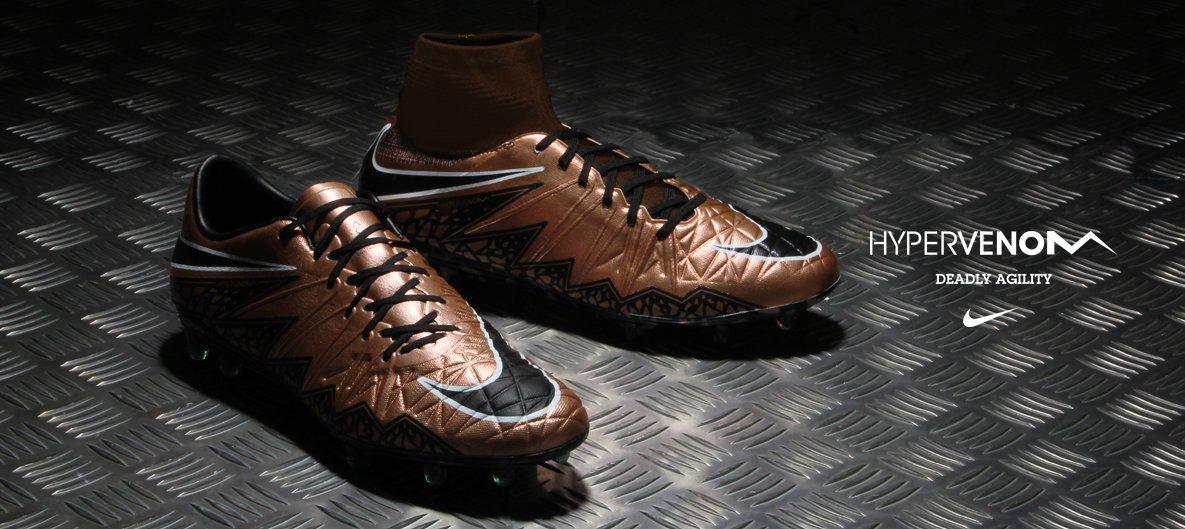 72bfdf6ae87e7 Nike Hypervenom Liquid Chrome Pack