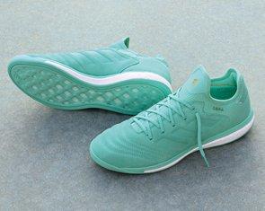 Football scarpe nike, adidas & nuovo equilibrio football formatori