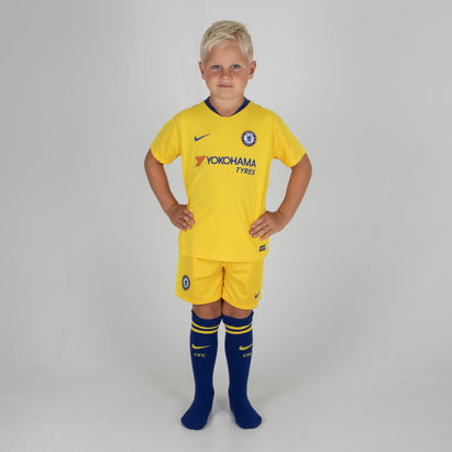 pretty nice 7d7b1 74e45 Nike Chelsea FC 18/19 Away Mini Football Kit - 2018 World ...