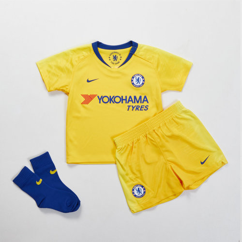 big sale a6970 b3843 Nike Chelsea FC 18/19 Away Infant Football Kit, £30.00